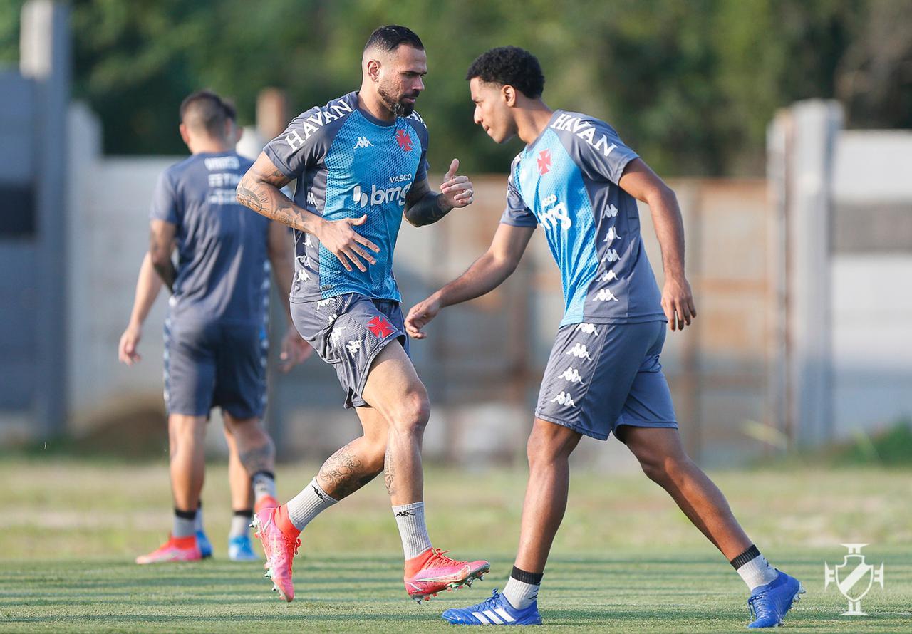 Vasco faz último treinamento antes de partida contra o CRB-AL