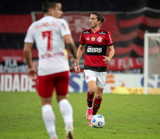 Flamengo perde para o RB Bragantino por 3 a 2, no Maracanã, pelo Brasileirão