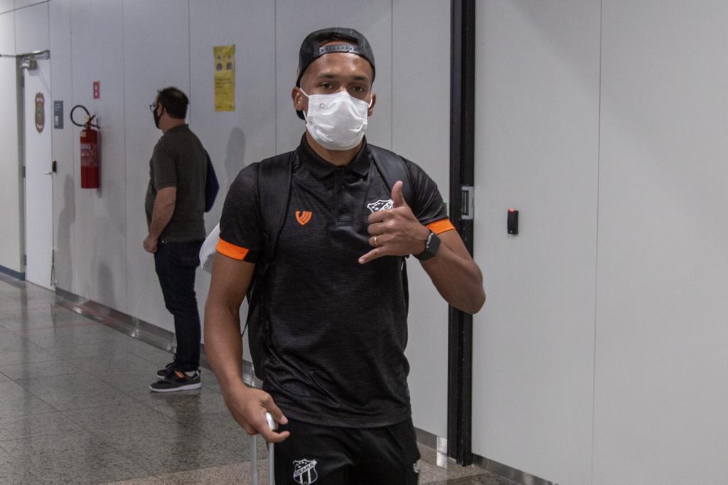 Dois dias antes de encarar o RB Bragantino, elenco alvinegro embarca rumo ao interior paulista
