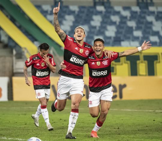 Flamengo vence o Cuiabá por 2 a 0 na Arena Pantanal