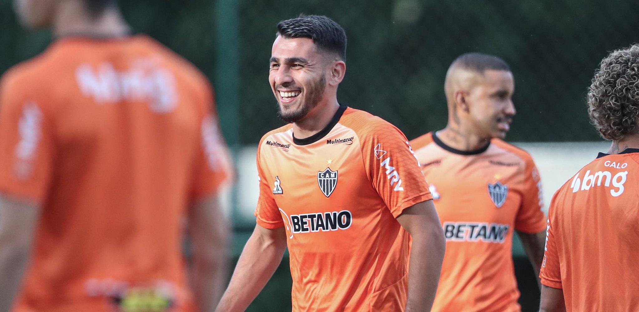 Galo inicia treinos para enfrentar o Flamengo