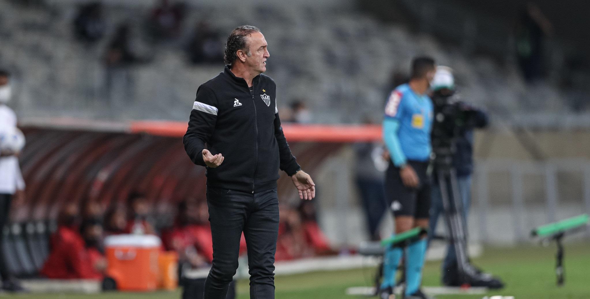 Cuca enfatiza organização tática da equipe contra o Flamengo