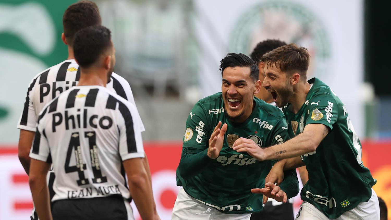 Líder, Palmeiras supera Santos em casa e emplaca quinta vitória seguida no Brasileirão