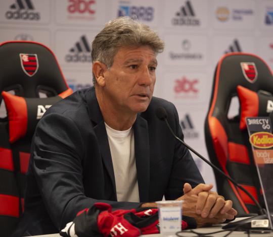 Renato Gaúcho é apresentado no Ninho do Urubu como novo técnico do Flamengo