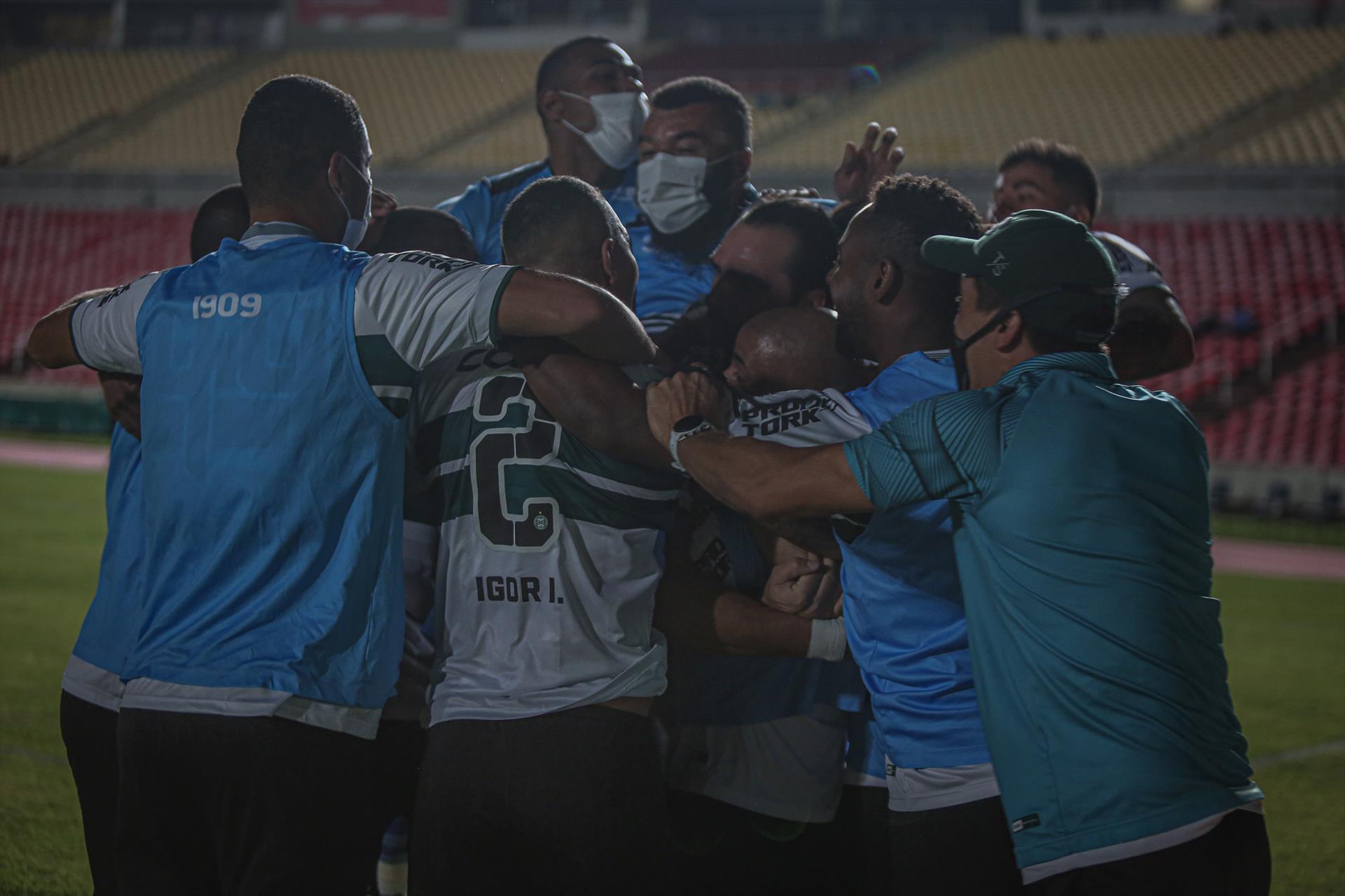 Coritiba vence no Maranhão pela serie B