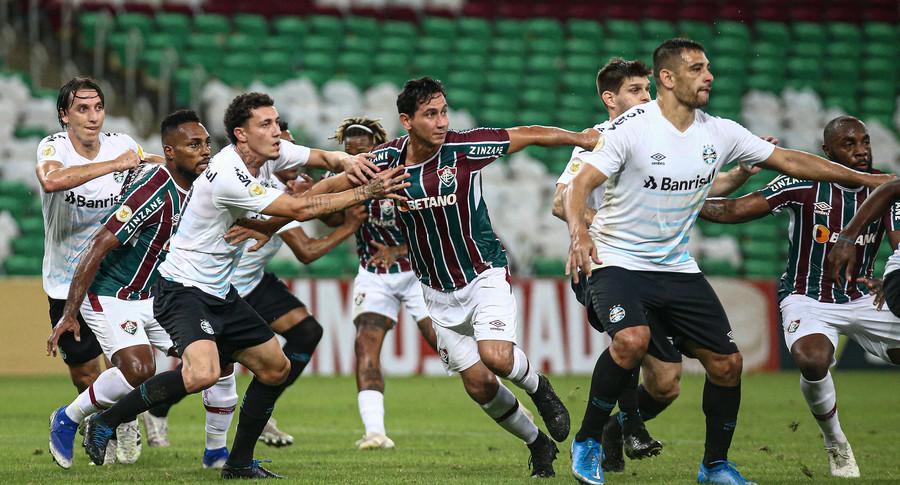 Fluminense leva gol de pênalti no fim e é superado pelo Grêmio