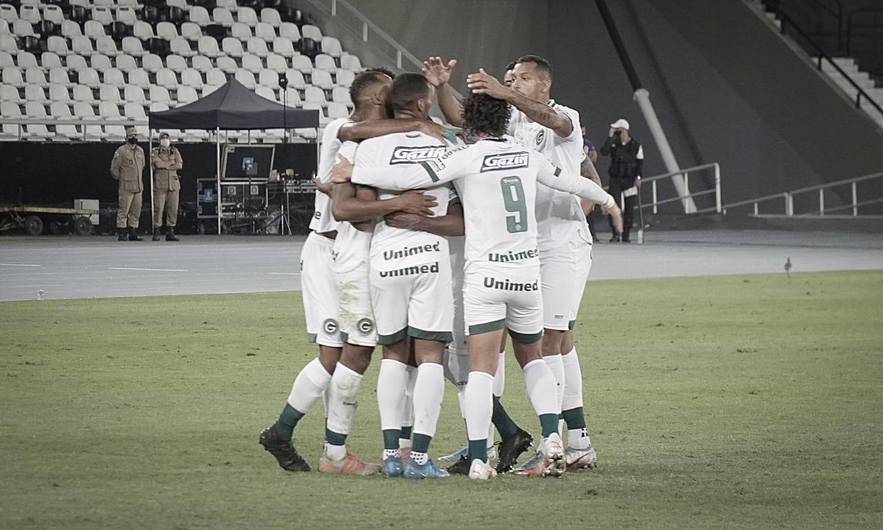 Fora de casa, o Goias vence o Botafogo por 2 a 0, e volta ao G4