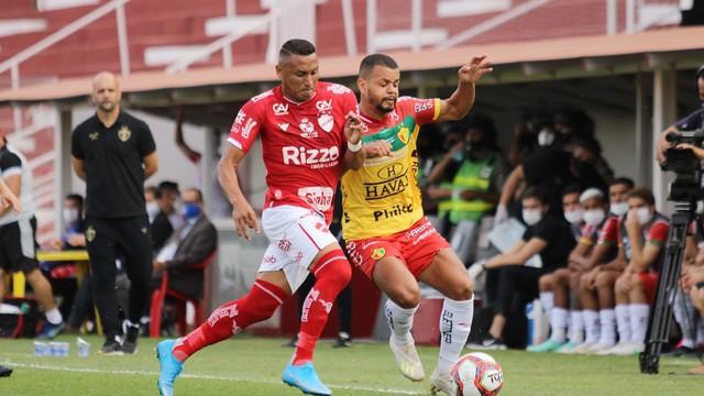 Brusque-SC vence o Vila Nova-GO fora de casa pela Série B