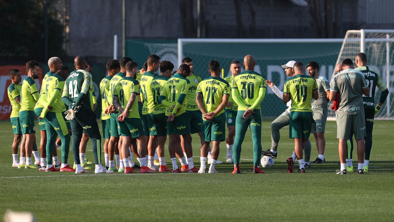 Palmeiras faz treino tático na véspera do confronto com o Fluminense