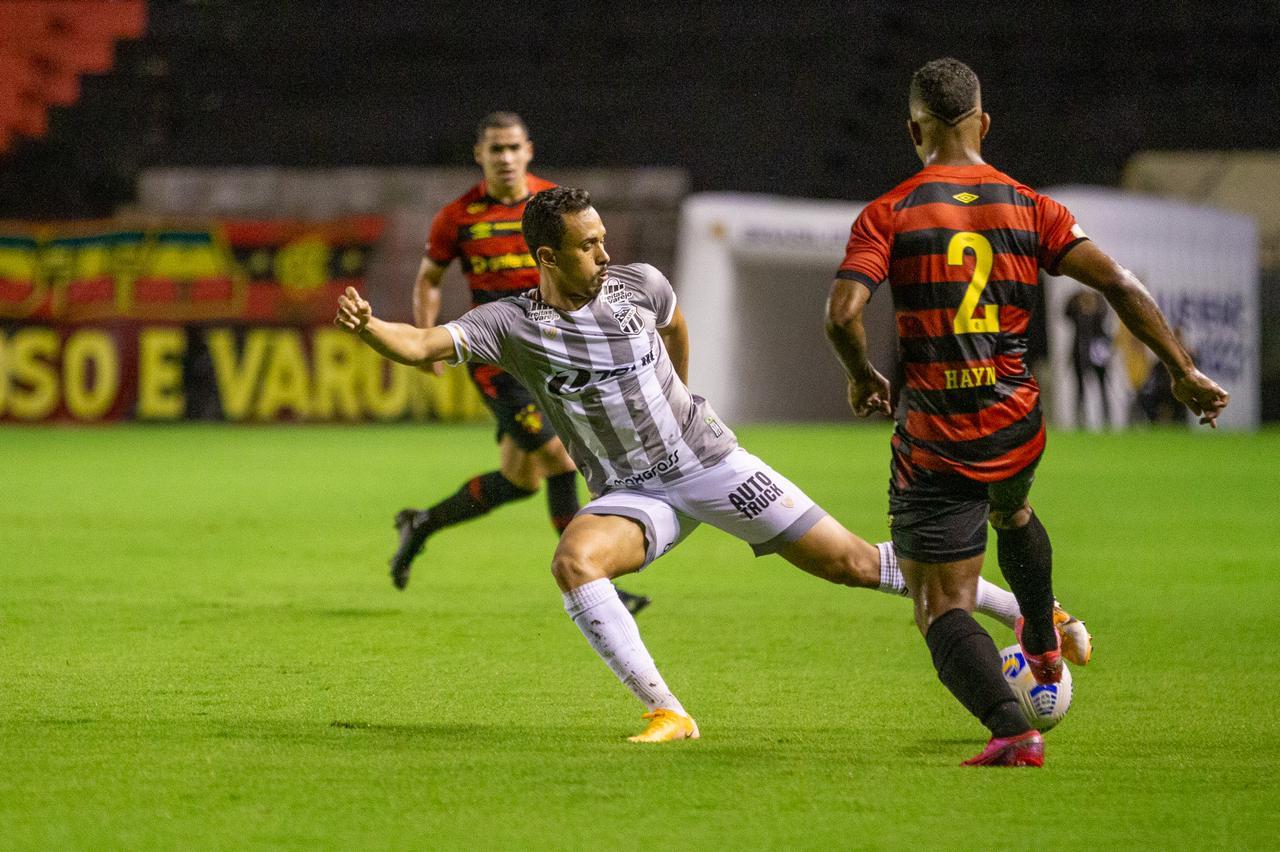 Na Ilha do Retiro, Ceará pontua contra o Sport após empate sem gols