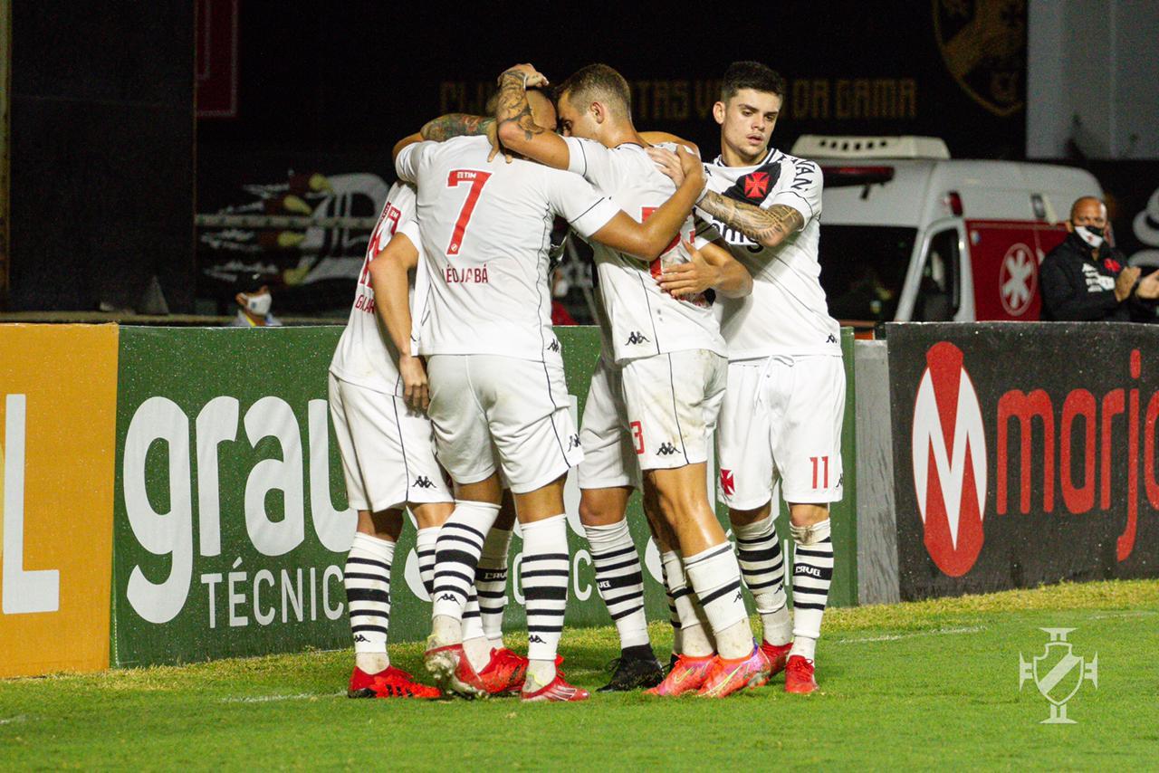 Jogando em São Januário, Vasco vence o Guarani pela 14ª rodada do Campeonato Brasileiro