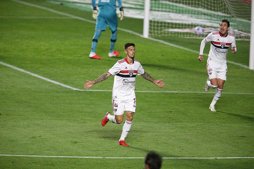 Tricolor vence o Vasco no duelo de ida das oitavas de final