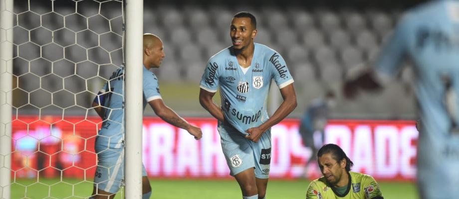 Santos FC domina a partida, goleia o Juazeirense e Sánchez entra para a história