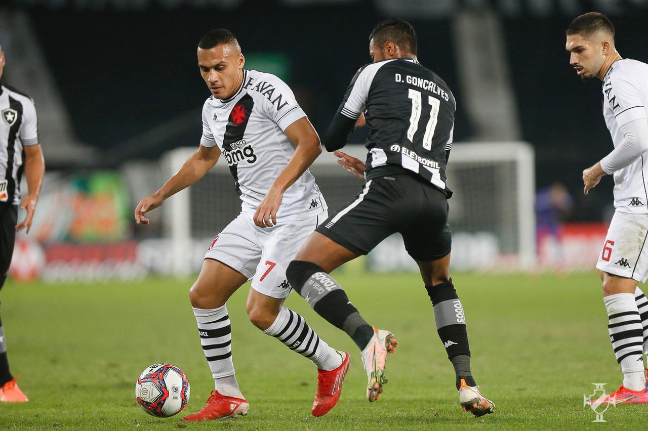 Vasco é superado pelo Botafogo no Nilton Santos