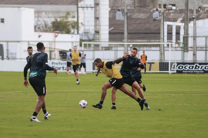 Jael e Gabriel Lacerda voltam a ser opção para o jogo contra o Corinthians