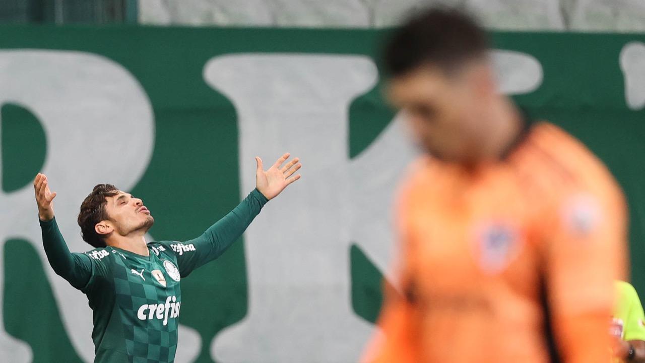 Palmeiras bate São Paulo no Allianz Parque e avança à semifinal da Libertadores