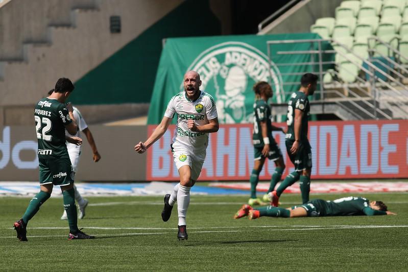 Cuiabá ganha do Palmeiras  e sobe  na  classificação