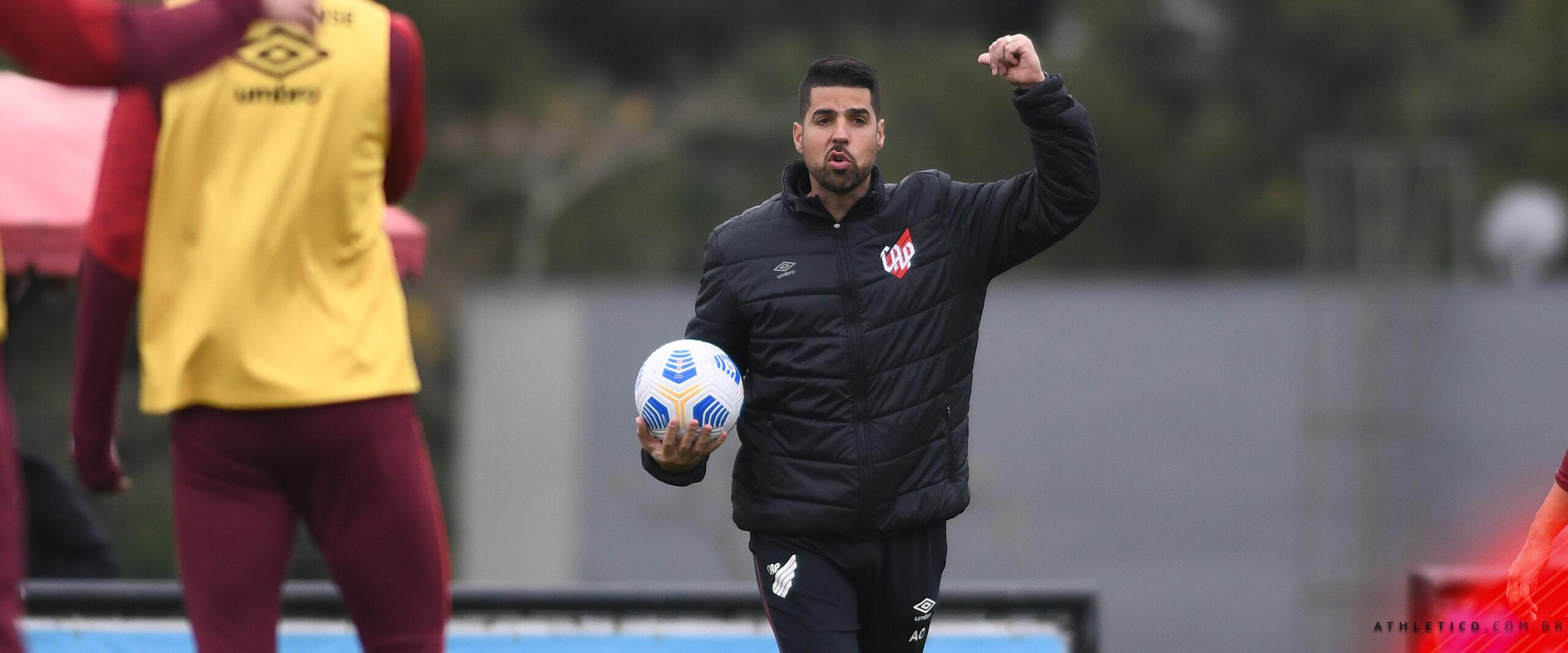 Athletico treinou nesta sexta-feira e encerrou os preparativos para enfrentar o Palmeiras