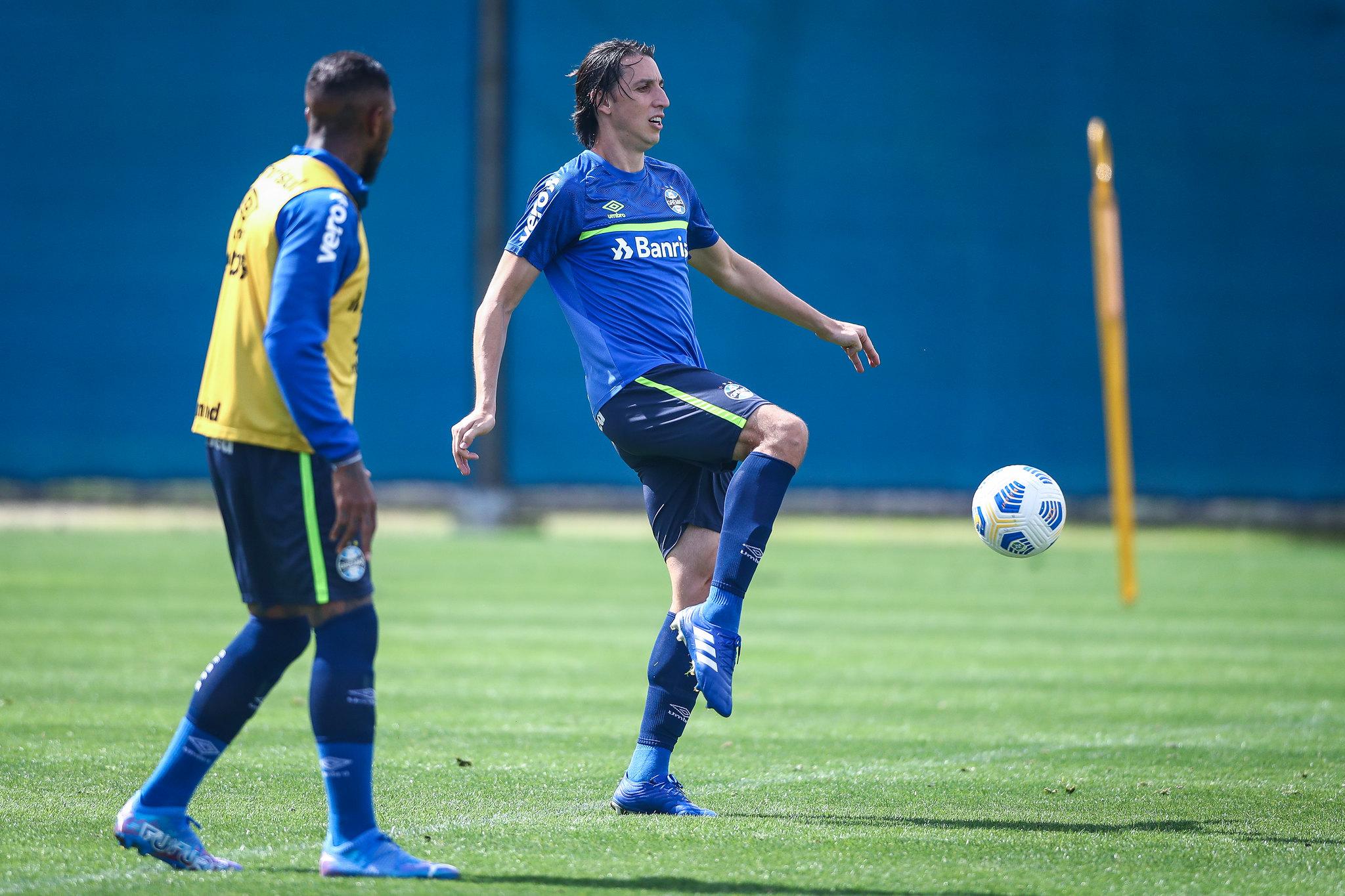 Grêmio realiza treino tático