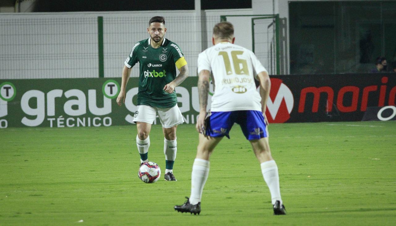 Goiás e Cruzeiro empatam na Serrinha, 1 a 1