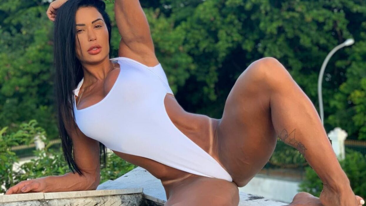 Gracyanne Barbosa ostenta bumbum na nuca em clique quase proibido: