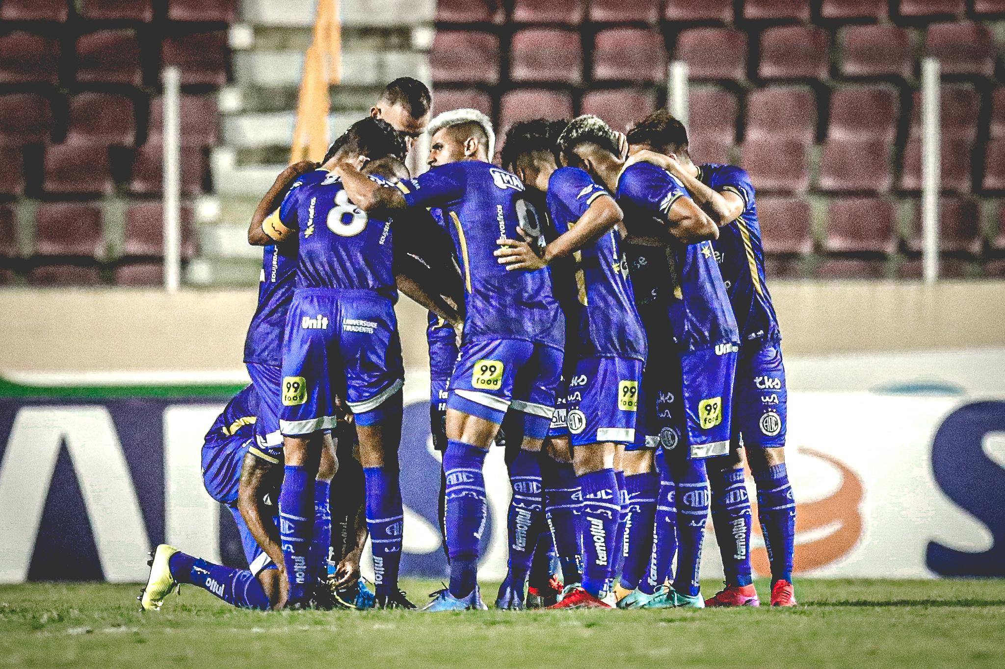 Com presença da torcida azulina, Confiança vence o Sampaio Corrêa por 2 a 0