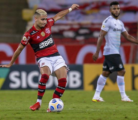 Flamengo é derrotado pelo Grêmio por 1 a 0, no Maracanã, na 21ª rodada do Brasileirão