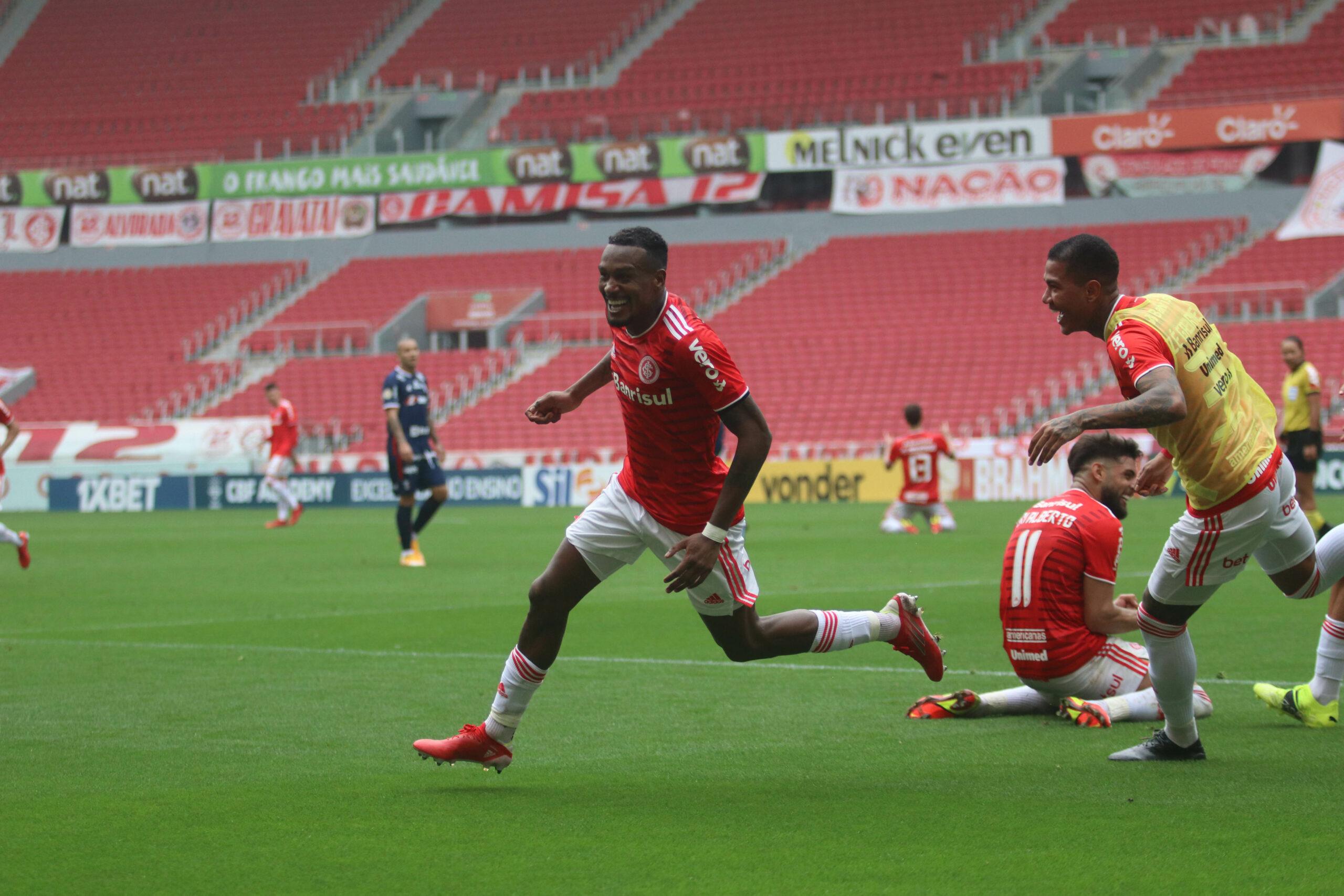 Edenilson marca nos acréscimos e Inter vence o Fortaleza no Beira-Rio