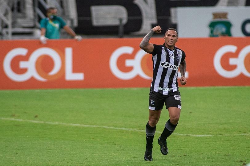 Com gol de Jael, Ceará vence a Chapecoense na Arena Castelão