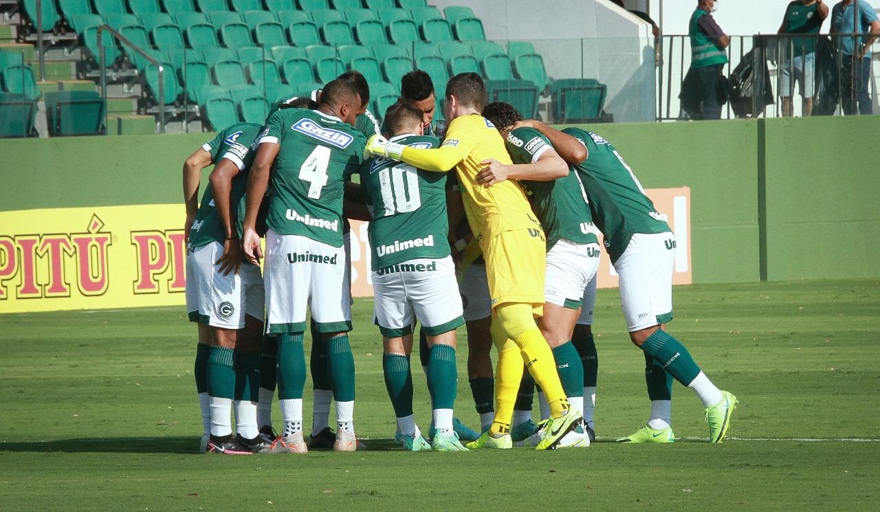 Goiás bate o Vitoria por 3 x 0 e  volta subir na tabela