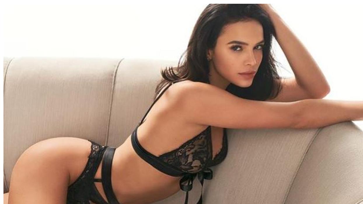 """Bruna Marquezine faz post de momento íntimo e acaba mostrando demais: """"Perfeita"""""""
