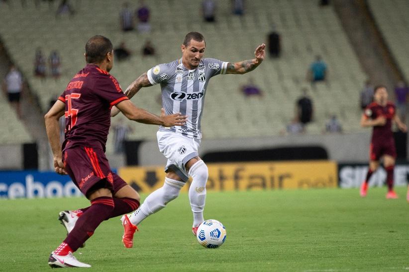 Ceará tem mais volume de jogo, mas fica no empate sem gols com o Internacional