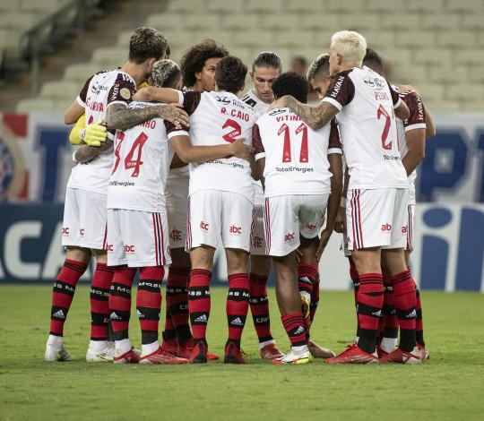 Com dois de Michael e um de Pedro, Mengão vence o Fortaleza por 3 a 0 no Castelão