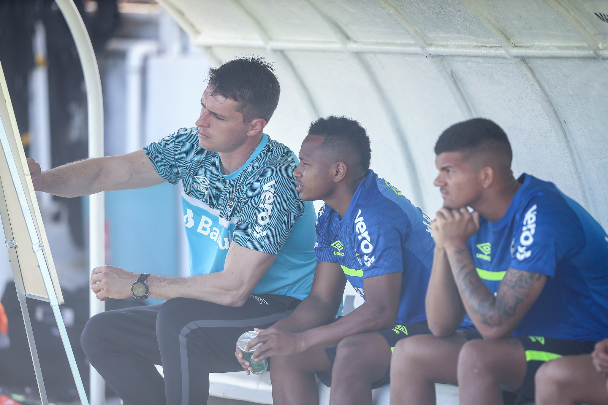 Thiago Gomes comanda trabalho tático em Fortaleza