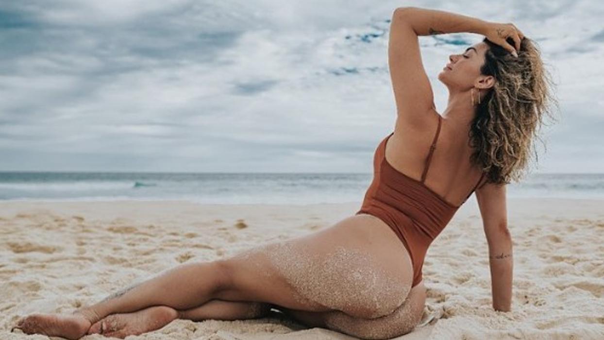 """Confira as vezes que Kelly Key esbanjou sensualidade mostrando bronze: """"Trincada!"""""""