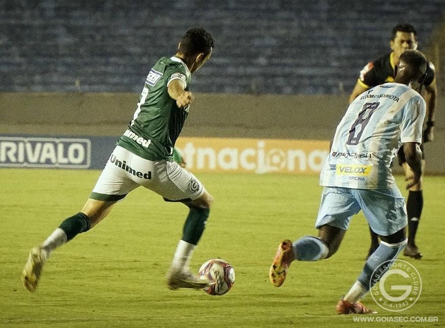 Fora de caasa, Goiás empata sem gols com o Londrina