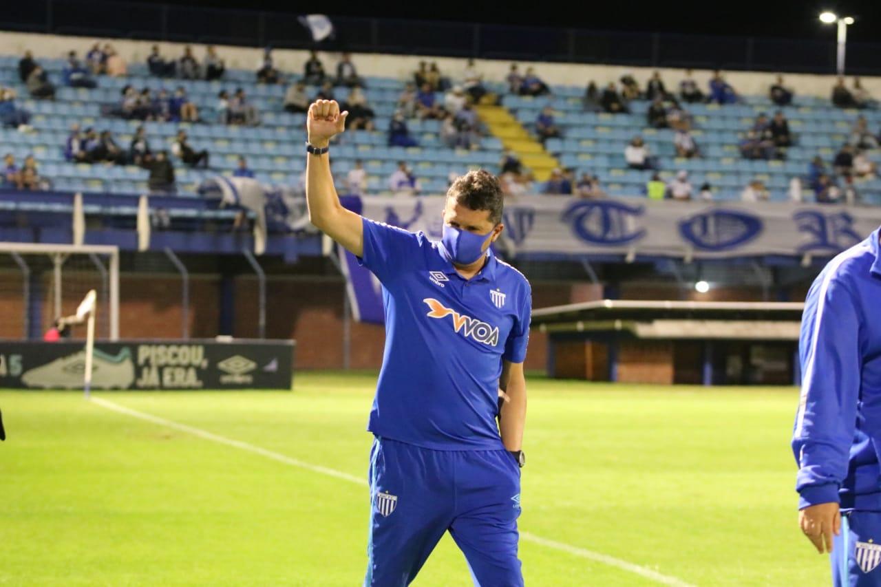Avaí vence o Cruzeiro por 1 a 0 e mantém o G4 rumo à Série A