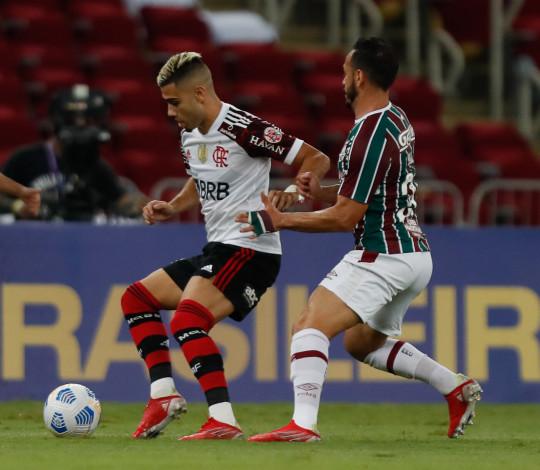 Flamengo perde para o Fluminense por 3 a 1 no Maracanã
