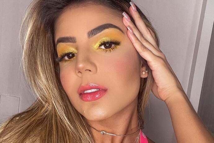 Ex-BBB Hariany Almeida mostra novo look decotado e deixa internautas fascinados