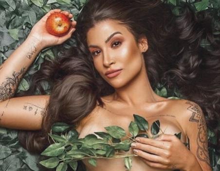 """Bianca Andrade aposta em look sensual para apresentar o programa: """"Boca a Boca"""""""