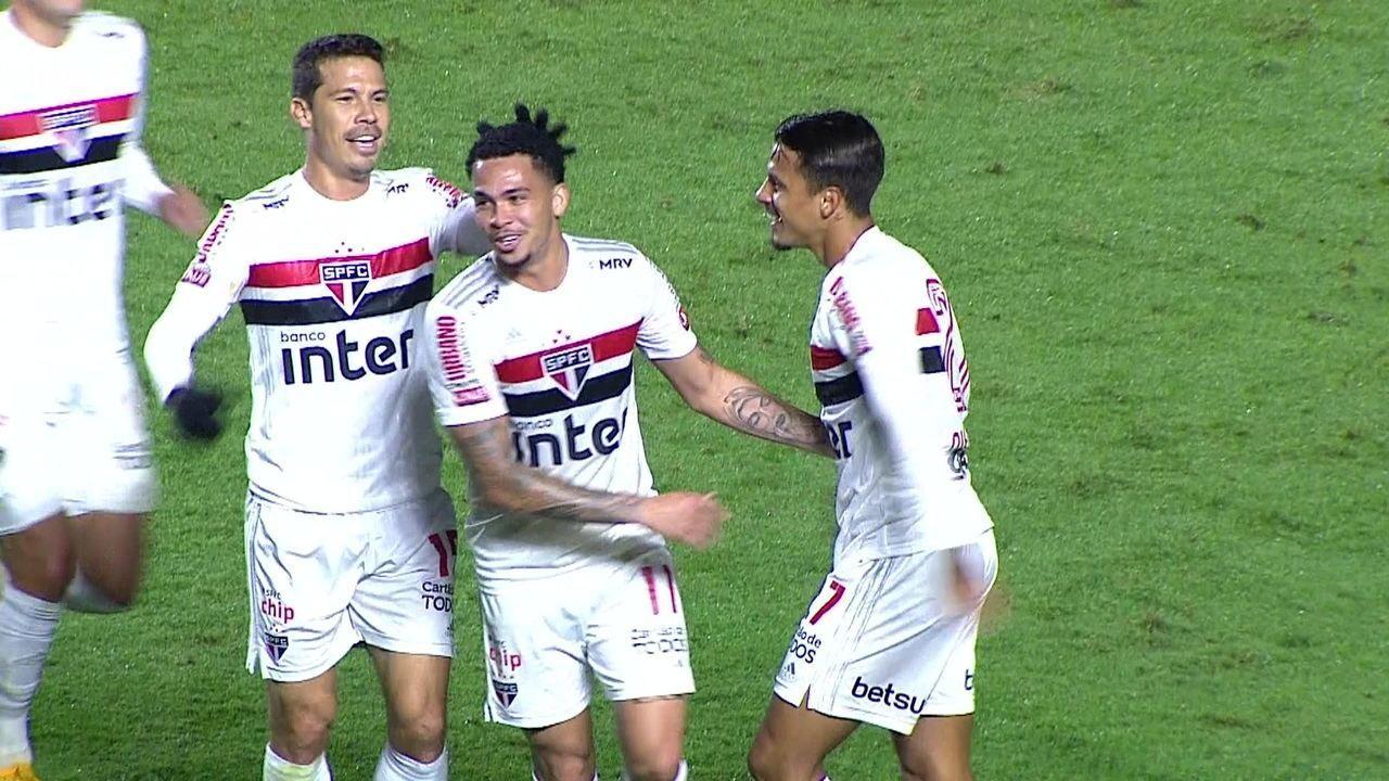 Sao Paulo buscara vitória contra o River Plate jogo valido pela libertadores.