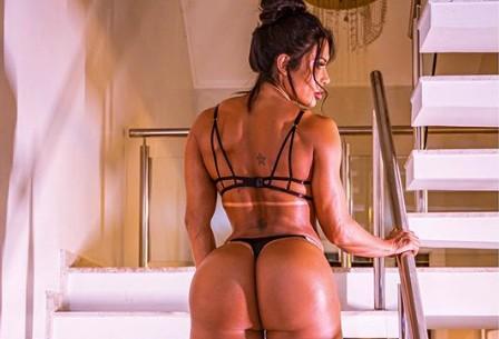 Gracyanne Barbosa deixa a web pegando fogo com clique sensual: