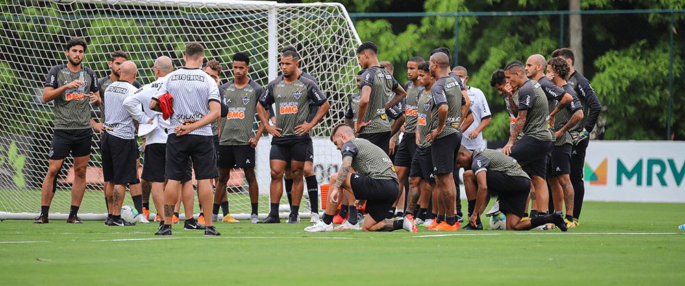 Galo treina para defender liderança na Bahia