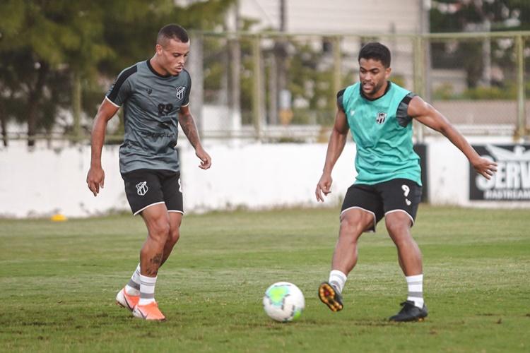 Ceará faz último treino antes de enfrentar Coritiba