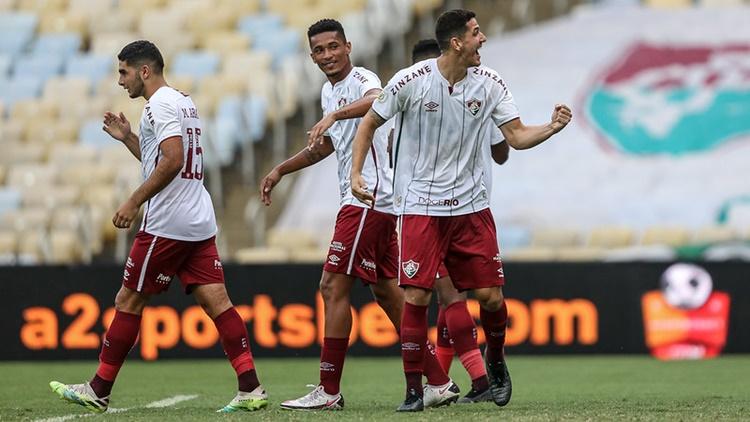 Fluminense vence o Santos e atinge sete jogos sem perder