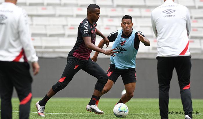 Jorginho e Kayzer desfalcam o Athletico contra o Flamengo e Pedro Henrique é dúvida