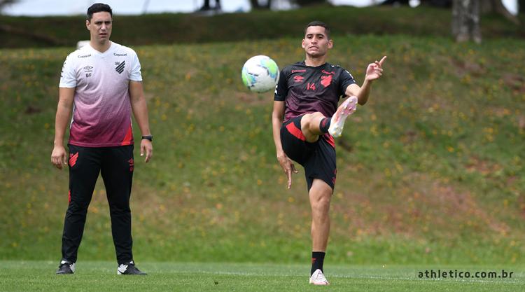 Athletico PR inicia preparativos para enfrentar Flamengo pela Copa do Brasil