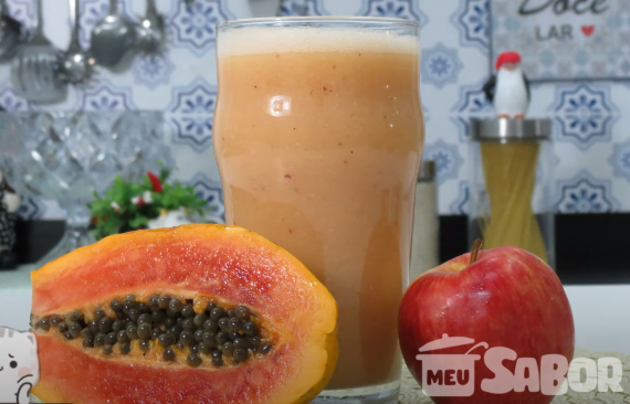Vitamina de mamão e maçã