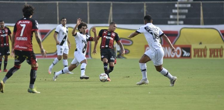 Vitória e Ponte Preta empatam sem gols pela 3ª rodada do returno da Série B