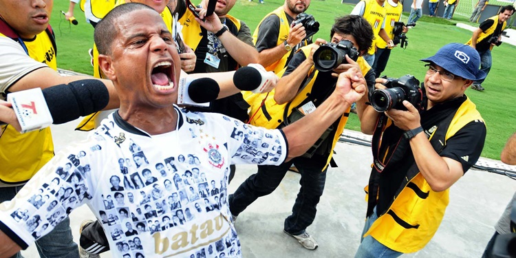 Último jogo de Marcelinho Carioca com camisa do Corinthians completa 11 anos